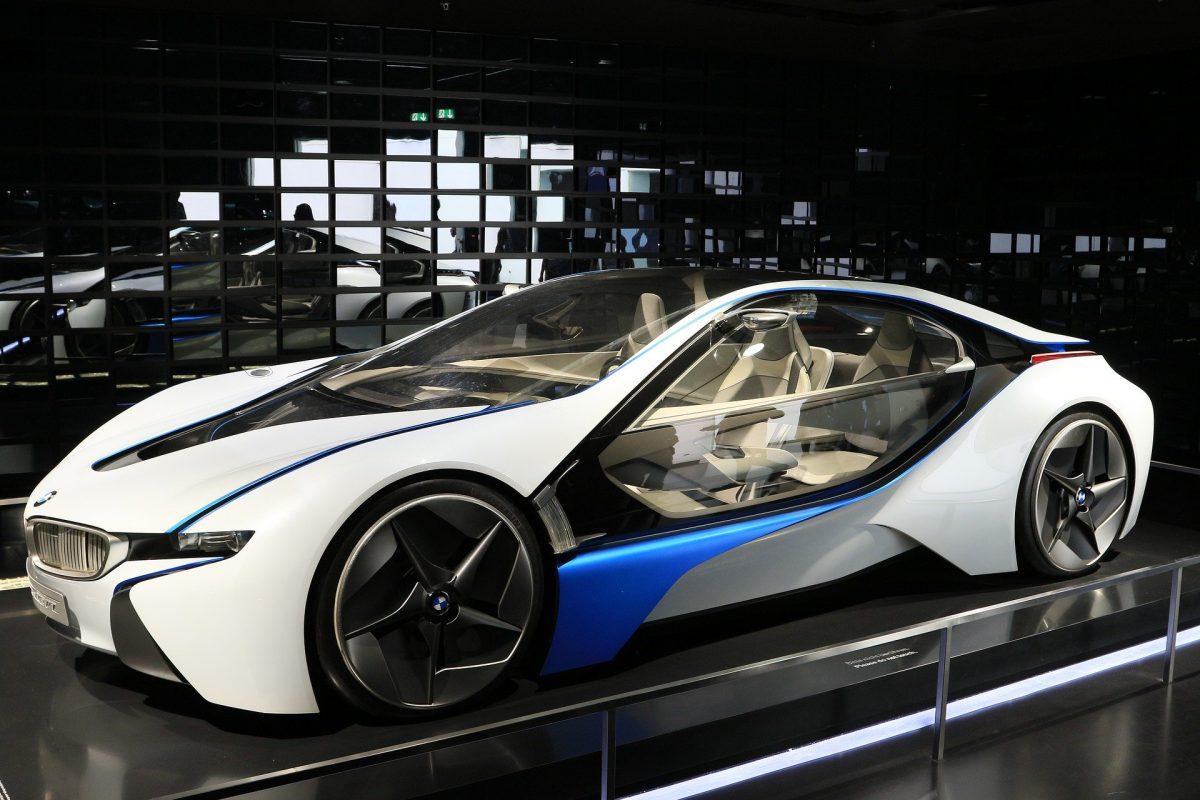רכבים חשמליים, מה צופה לנו העתיד?